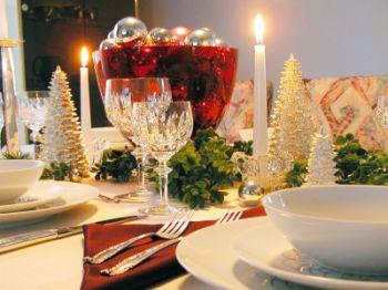 Christmas centerpiece uses different motifs and heights.