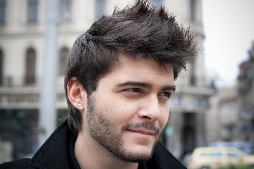 When did men start wearing earrings?