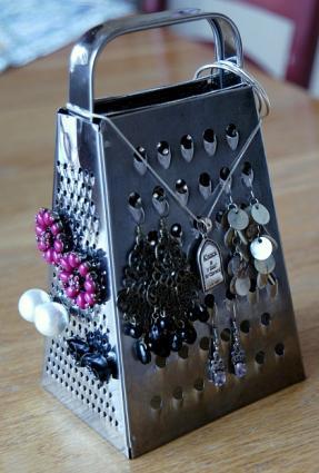 Cheese grater earring holder