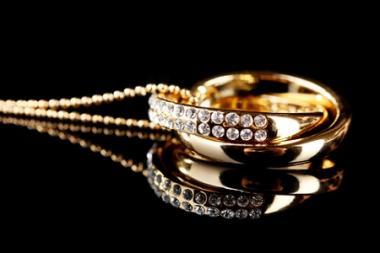 Interlocking heart necklace