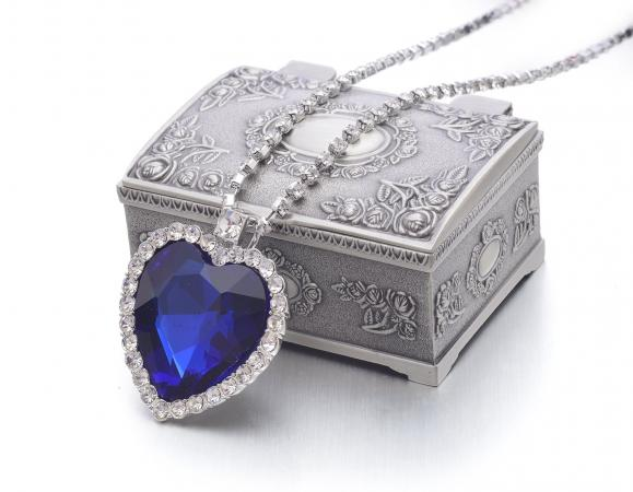 REINDEAR Movie Titanic Heart of Ocean Blue Crystal Pendant Necklace with Jewelry Box