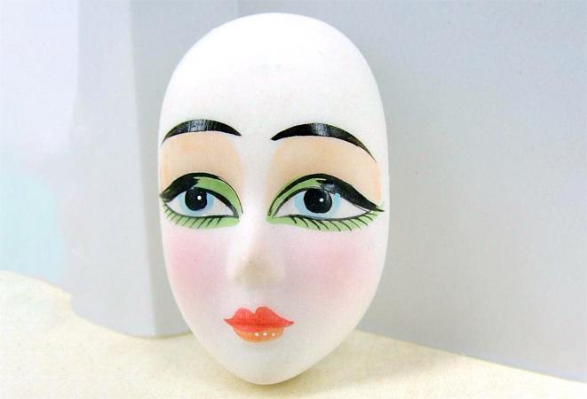 vintage porcelain doll face cabochon