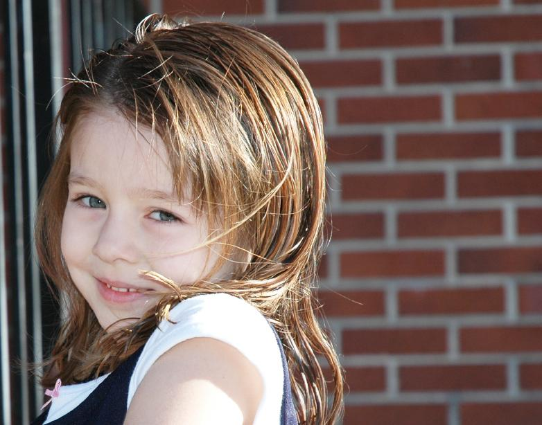 Hairstyles for little girls lovetoknow little girl with textured hair cut urmus Gallery