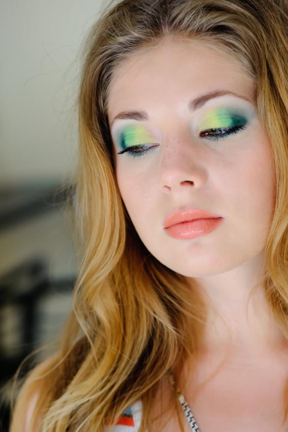 Makeup for blondes with green eyes