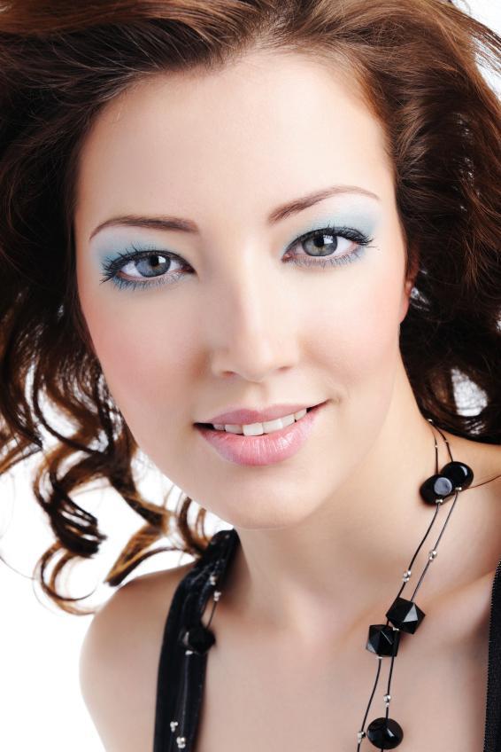 Photos of Modern Sexy Eye Makeup [Slideshow]