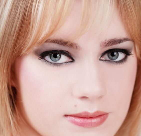 Makeup for blue eyed blondes