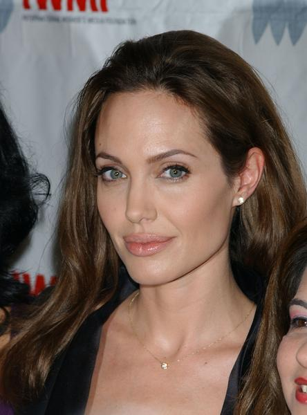 Pictures of Angelina Jolie Makeup Styles [Slideshow]