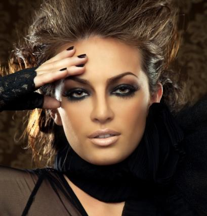 Learn about smoky eye techniques