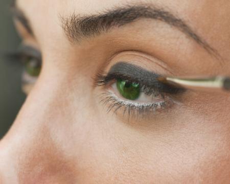 Green Eyeshadow Dark Skin - Mac Bottle Green Eye Shadow On