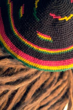 Modern Rasta Hat Fashion with Dreadlocks Hairstyle for Men