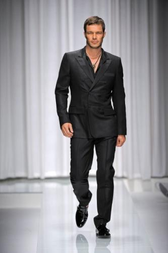Trend Versace Men Dress Pants Fashion with Short Messy Hairstyle for Men in Spring 2011