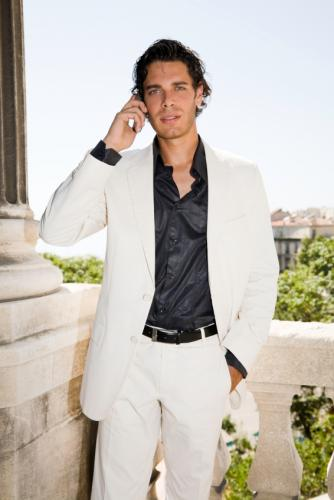 Trendy Casual Suit Fashion with White Color Suit for Men in Formal Condition
