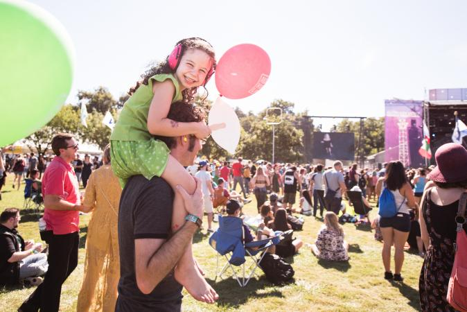Kid with balloon