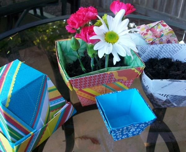 Learn origami make a paper Frog