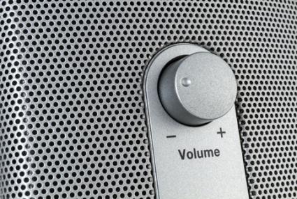 Volume knob; © Joerg Sinn | Dreamstime.com