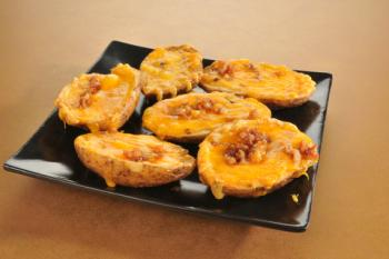 Potato skins; © Msphotographic | Dreamstime.com