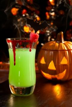 Halloween party drink recipes for Halloween green punch recipes alcoholic
