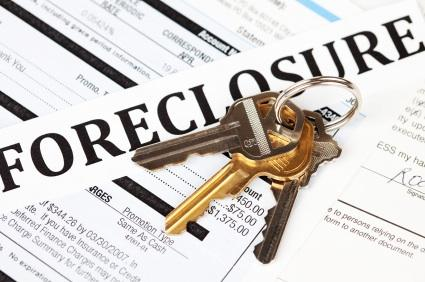 Freelance photographers can make money taking pictures of bank foreclosures.