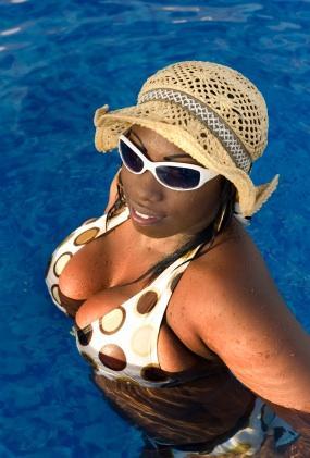 full figure bikini
