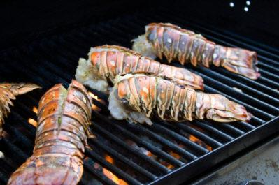 How long to cook lobster tail