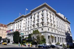 Fairmont Hotel; © Enrique Gomez | Dreamstime.com
