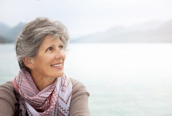 easy care short hairstyles for older women )