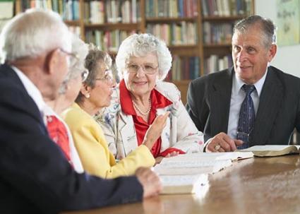 Seniors discussing books