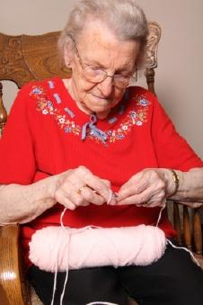 Easy crafts for seniors for Craft ideas for senior citizens