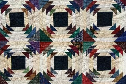 pineapple pattern quilt