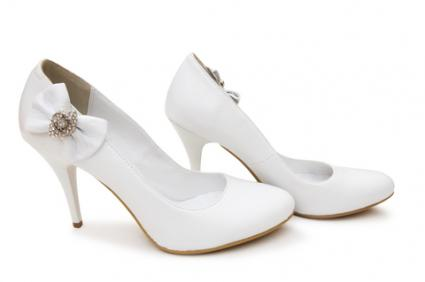 White pump shoes