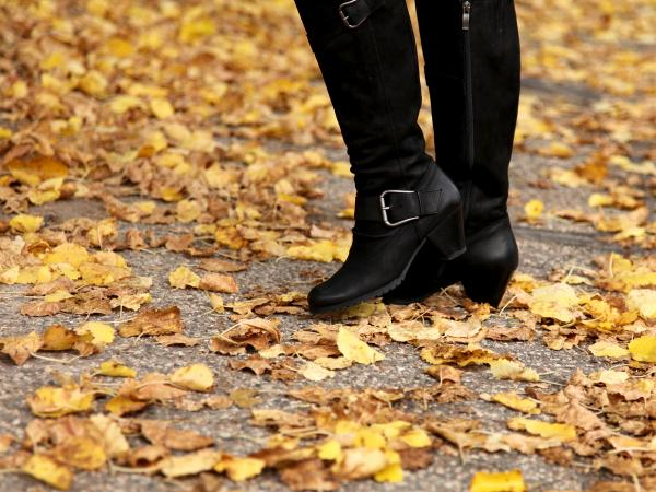 custom black boots