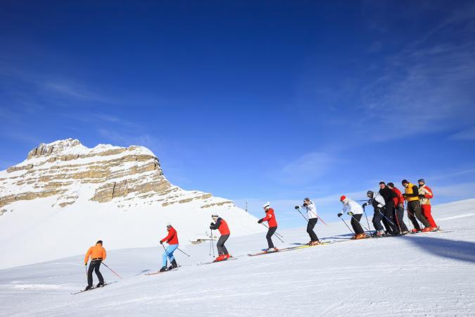 Skiing group