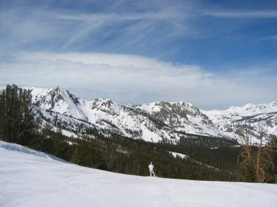 An empty run at Mammoth Ski Resort