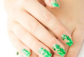 How to Grow Out Acrylic Nails