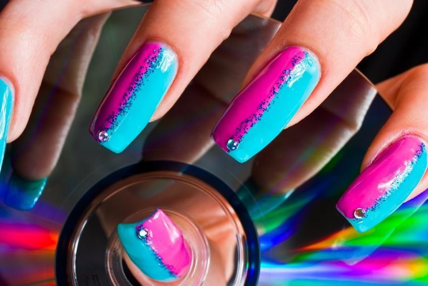dual color manicure