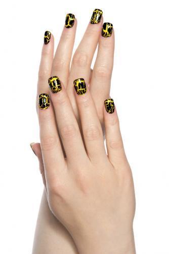 Cool crackled nail polish