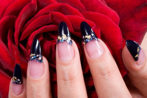 Sharp black nail design