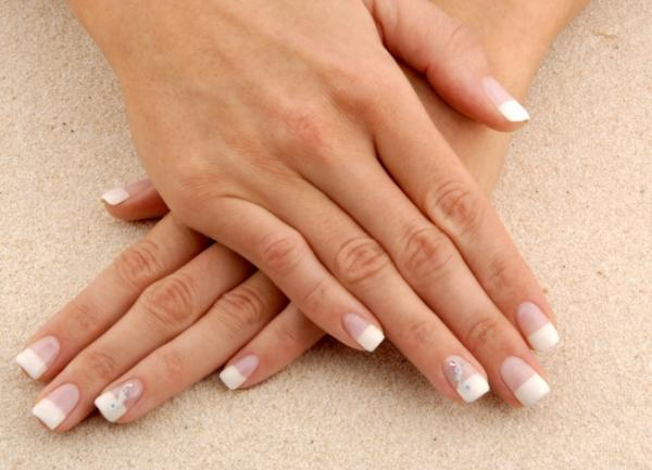 beachy French manicure