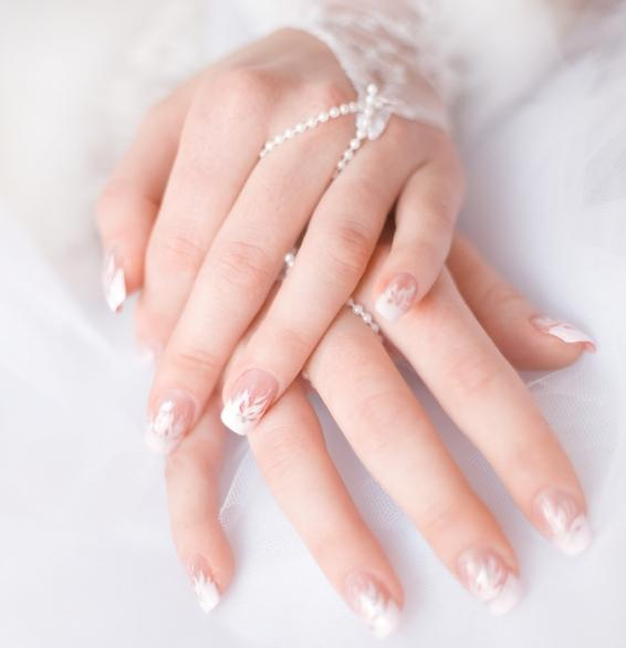pretty white wedding nail details