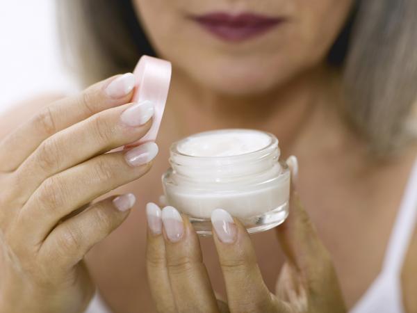 facial cream pot