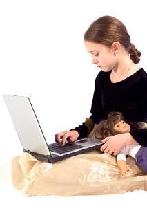 girl surfing web