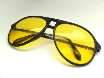 Eyeglass Lens Coatings: Anti-Reflective, Scratch Resistant, Anti-Fog