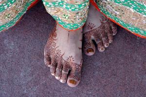 henna painting body art