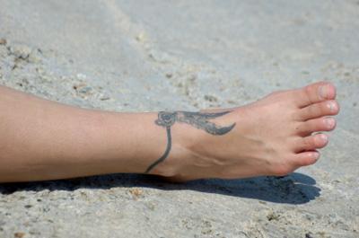 Ankle Bracelet Tattoo Designs for Women