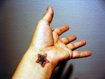 Simple visible and striking star tattoos on the wrist can be a great