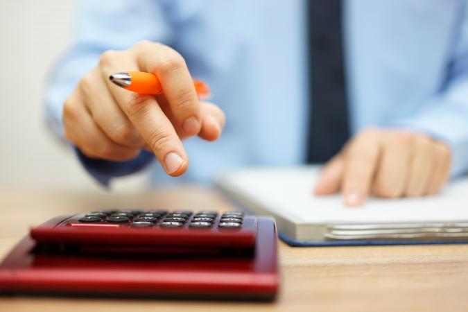 Calculating financial data