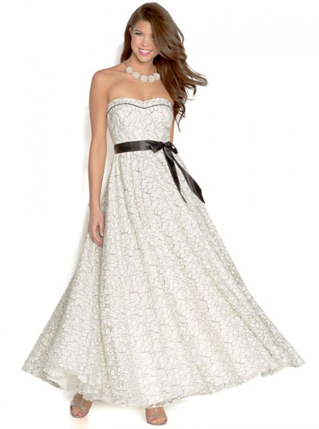 Black and White Prom Dresses [Slideshow]