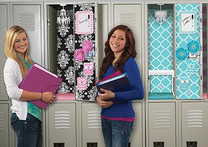 girls in front of lockers with lockerlookz decor - Locker Decoration Ideas