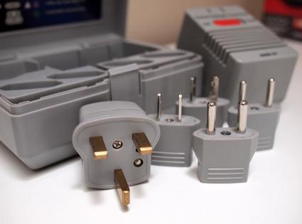 Travel power adapter set