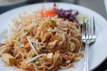 A platter of pad Thai.